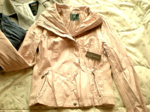 Jaqueta de couro sintético da C&A