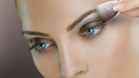 Maquiagem adesiva instantânea